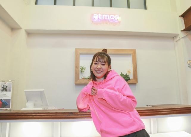 声優・高槻かなこ×atmos pinkコラボアイテム発売イベント公式写真が到着