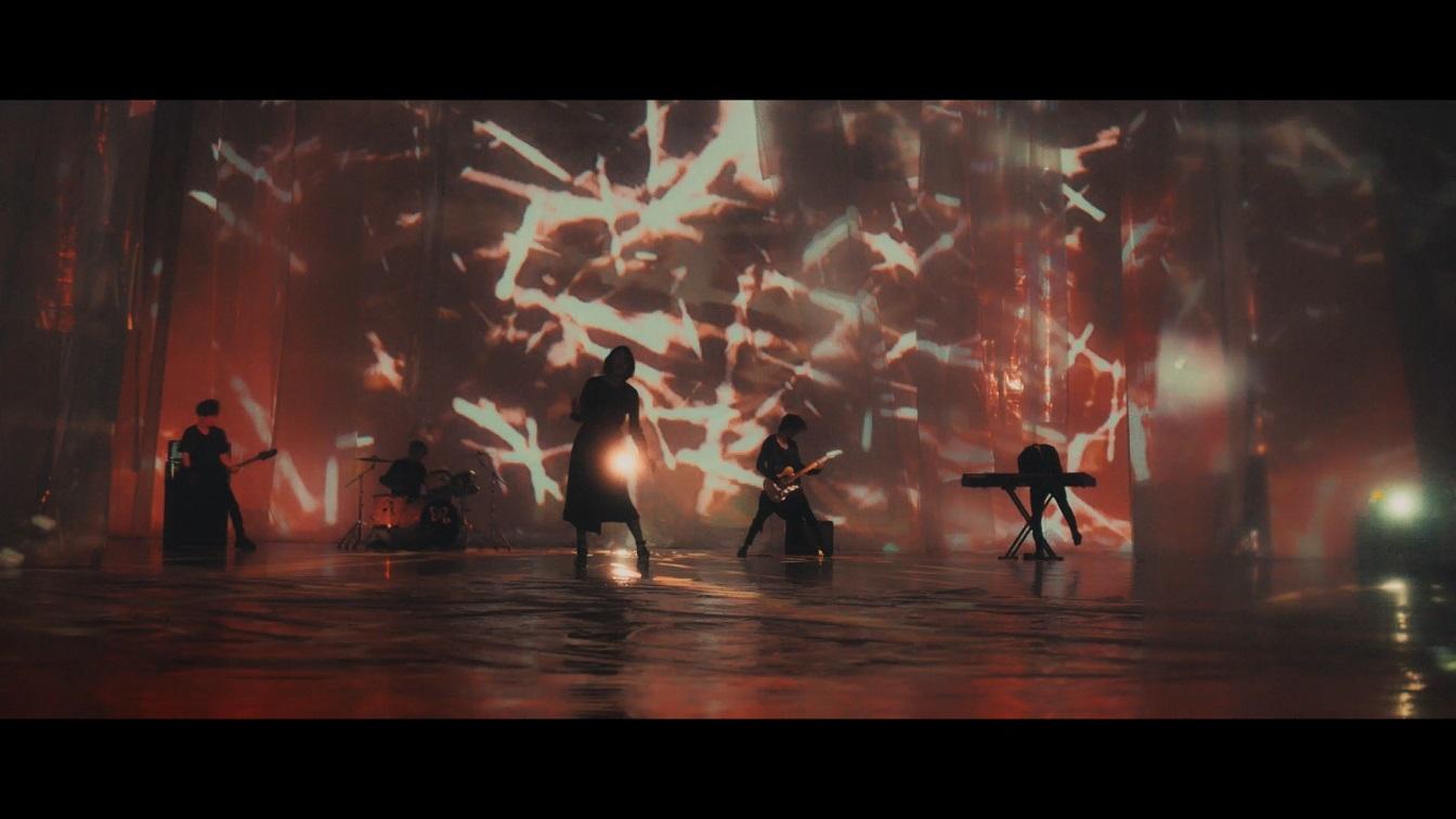 藍井エイルさん1万人が熱狂した全国ツアー完結! TVアニメ『グランベルム』OPテーマの新曲「月を追う真夜中」のMV解禁!の画像-5