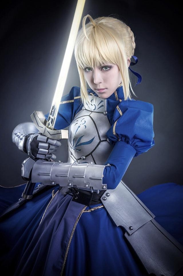 """大人気ゲーム『Fate/Grand Order』が遂に4周年! 今回はシリーズの顔""""セイバー""""に扮するコスプレイヤーさんたちの写真をピックアップ!の画像-1"""