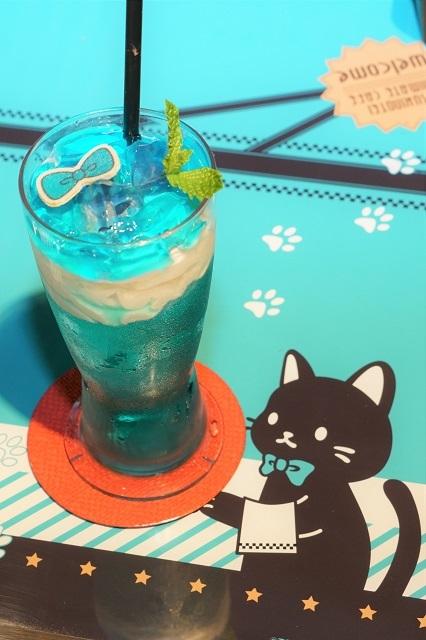 ツキプロ公式カフェ『池袋月野亭』6月の「Miaou Miaou」店内&試食レポート|店内装飾からメニューやグッズ、店員のユニフォームまで至るところにネコ、猫、ねこ!!