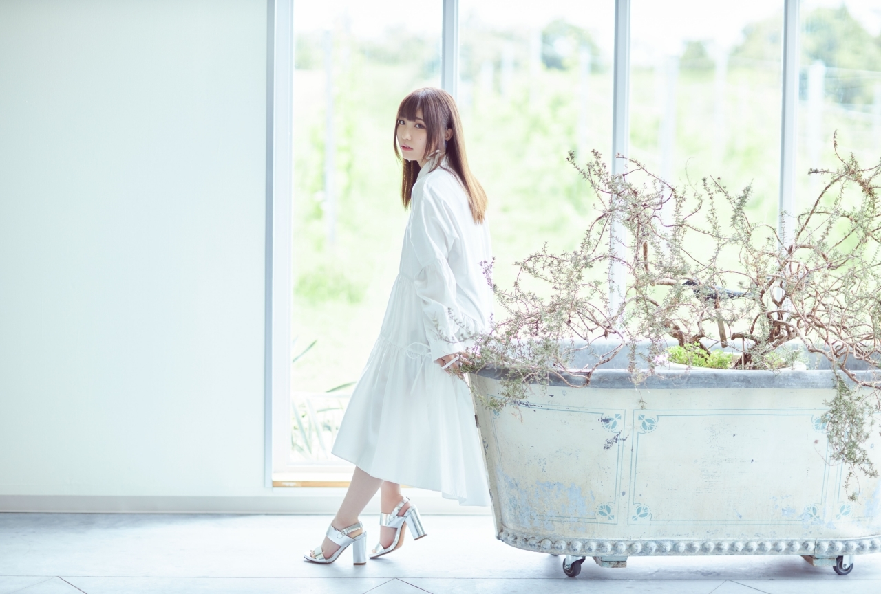 鈴木愛奈の1stシングル収録曲、ジャケ写、MVなどが解禁