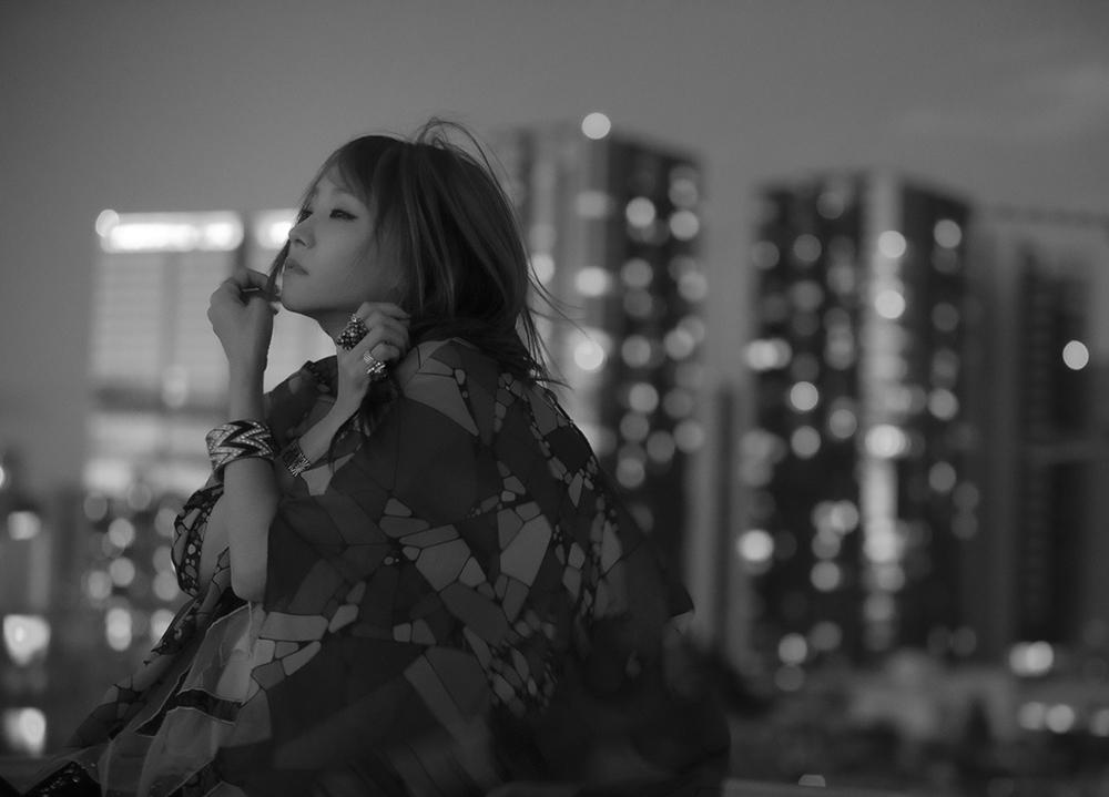 歌手・LiSAの新曲「愛錠」(ドラマ『13』主題歌)のリリックビデオがYouTubeにてプレミア公開決定!