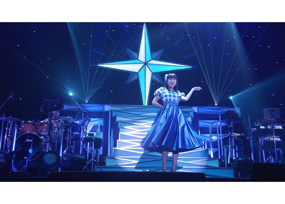 声優・水瀬いのり、過去のライブから5つのテーマでベスト映像をセレクト!