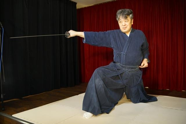 横山智佐さんが北辰一刀流を体験する古武術トークイベント、メイド喫茶「made mode」で開催!-3