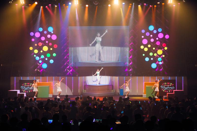 <こんな私だけど>から「これが伊藤美来です」と胸を張って言えるステージへ――『伊藤美来 Live Tour 2021 Rhythmic BEAM YOU』レポート