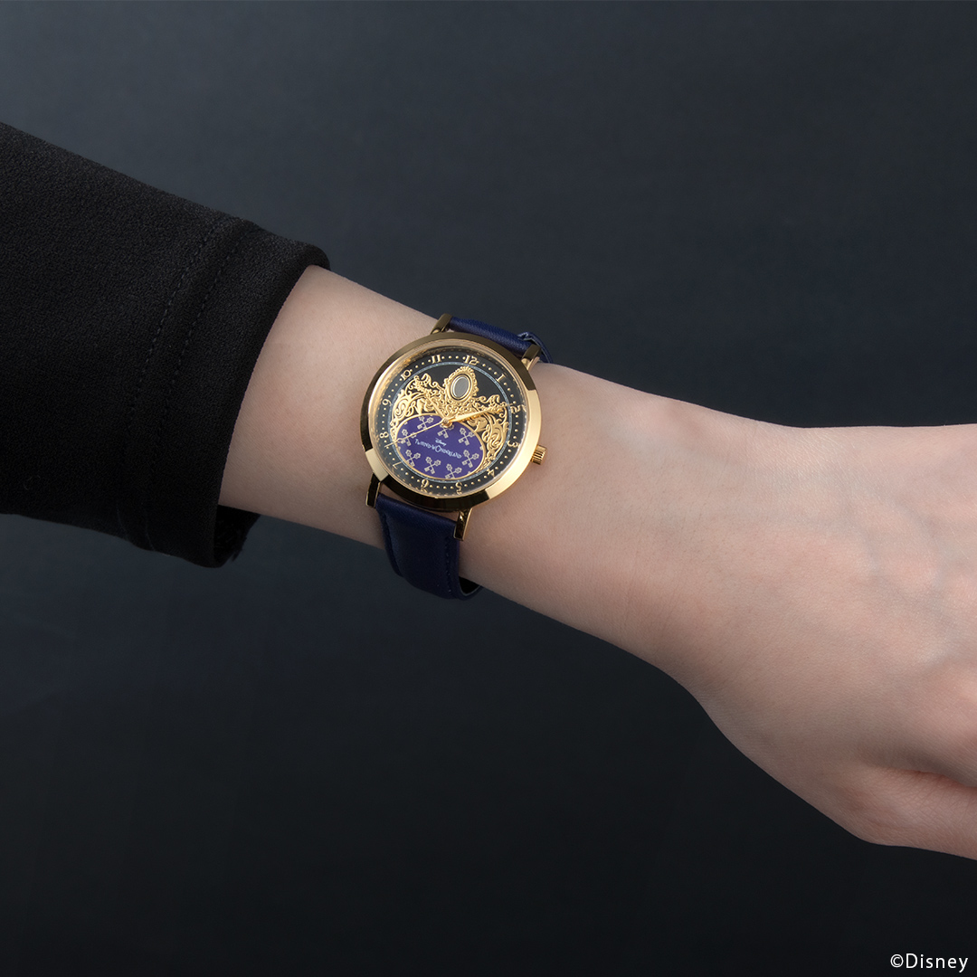 『ディズニー ツイステッドワンダーランド』式典服モチーフの腕時計が登場! 裏面のデザインは寮章やキャラクターのマークなど全30種類-11