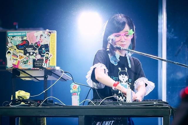 声優・工藤晴香さんワンマンライブ「PLANET SUMMER」第2部より公式レポートが到着! DJくどはるも登場! ワンマンライブで夏を満喫「音楽をやっていて本当によかった」