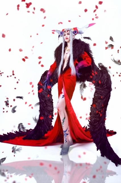 主人公を苦しめた女性キャラクターの魅惑的なコスプレ特集!『リゼロ』エルザ、『ファイナルファンタジーVIII』アルティミシア、『ローゼンメイデン』水銀燈など-1