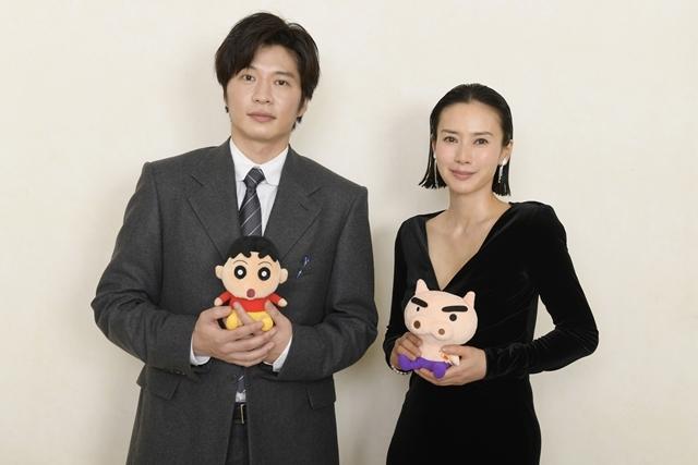 TVアニメ『クレヨンしんちゃん』9/25に映画『総理の夫』とのコラボエピソードを放送! W主演の田中圭さん・中谷美紀さんが、映画の役柄でしんのすけと共演-1