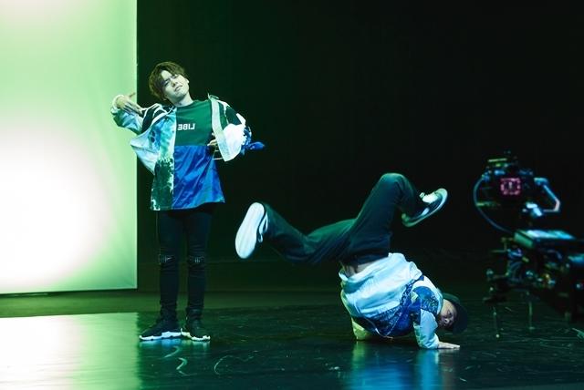 声優・内田雄馬さん×プロダンスチーム「KOSÉ 8ROCKS」コラボMV公開! メイキング映像&撮影レポートも到着
