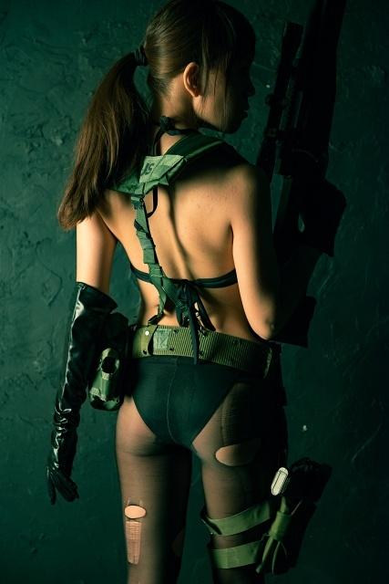 『メタルギアソリッド』シリーズよりクワイエット、EVAたちのコスプレ特集!武器を携えた彼女たちの美しい写真をお届け-5