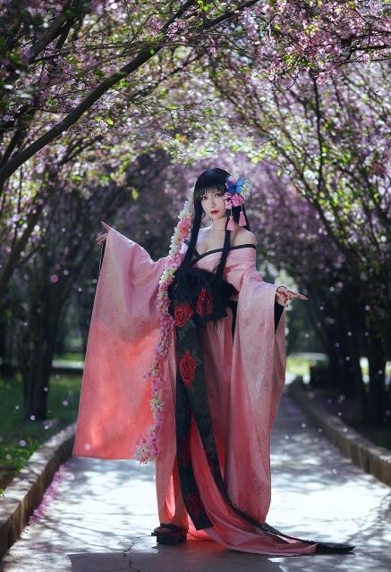 人気作『xxxHOLiC』より、女性キャラクターの美しいコスプレ特集! 座敷童、雨童女、壱原侑子に扮するコスプレイヤーさんたちをピックアップ!
