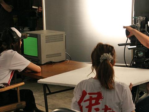 仮面ライダーバーステーマソングMV撮影現場に密着&インタビューも