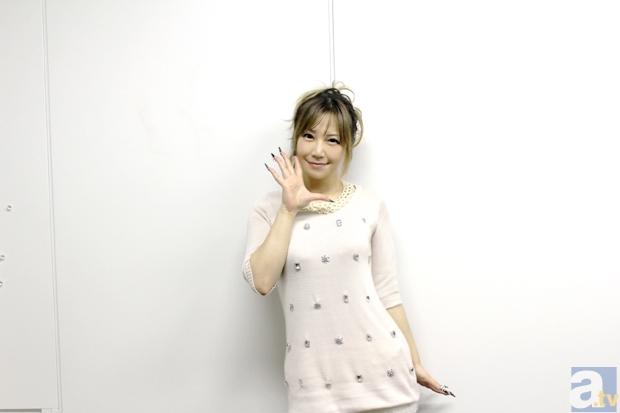 榊原ゆいさんアルバム『LOVE×Singles 2』インタビュー
