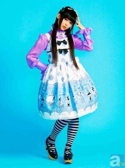 上坂すみれさんのデビューシングルPVが、YouTubeで公開中!
