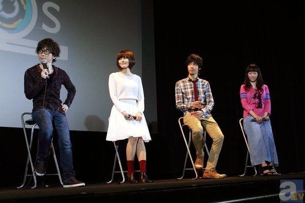 """水樹奈々さんが演じる""""あの娘""""がゲームで参戦決定! 阿部敦さん、金元寿子さんらキャストが登壇したアニメ『ガンスリンガー ストラトス』先行上映会レポート"""