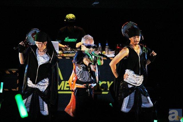 エレクトロなアニソンとダンスに、三國無双がコラボ!? 『EMERGENCY LIVE 2015』東京駅公演ライブレポート-16