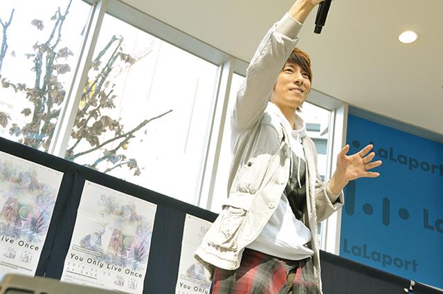 声優・羽多野渉さん歌う『ユーリ!!! on ICE』EDテーマ、ららぽーと柏の葉に響く――