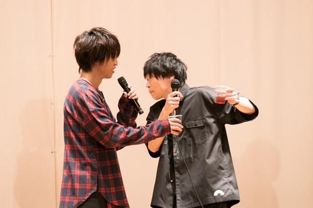 「舞台 ギャグマンガ日和」松尾芭蕉役・阿部丈二さんらとともに思い出のシーンを振り返る。DVD発売記念イベントをレポート