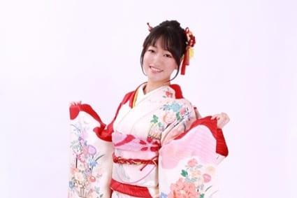 井上喜久子さん(17)の愛娘・井上ほの花さんが二十歳の想いを語る!