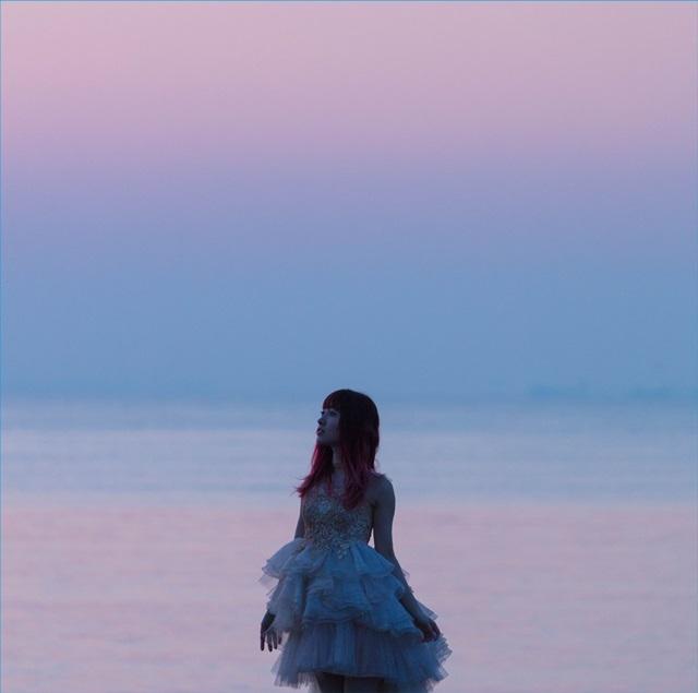 遠藤ゆりかさん、ベストアルバムへの思いを綴った公式ラストインタビュー到着! 引退を発表している遠藤さんが、伝えたかったこととは……!?